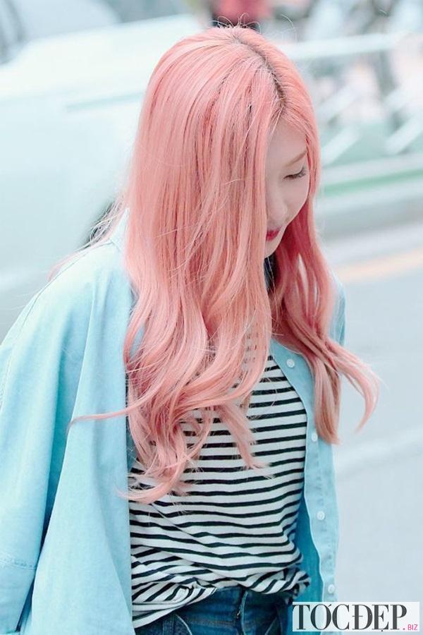 nhuộm tóc màu hồng khói