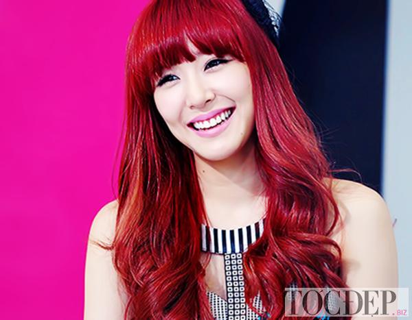 tóc màu nâu đỏ ánh hồng