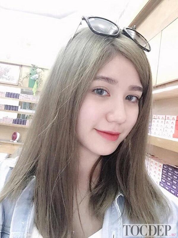 tóc màu nâu rêu sáng