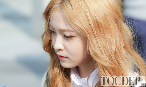 tóc màu nâu vàng
