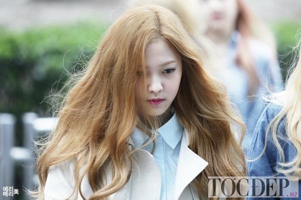 nhuộm tóc màu nâu vàng