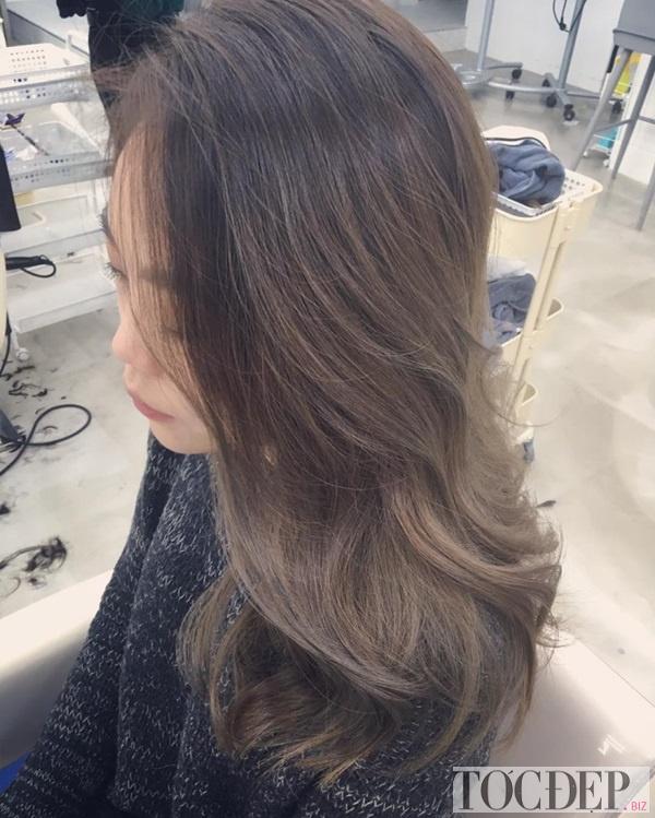nhuộm tóc màu nâu xám