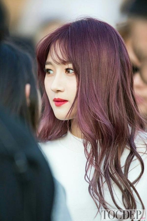 nhuộm tóc màu ánh tím