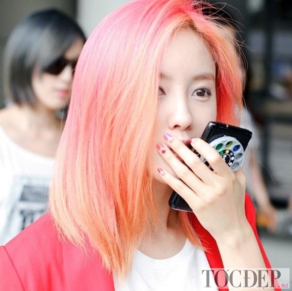 tóc nhuộm màu vàng cam