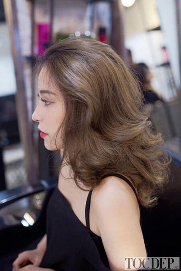 tóc xoăn dài mặt tròn