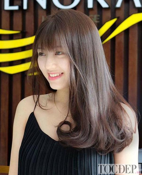 tóc xoăn dài chữ C