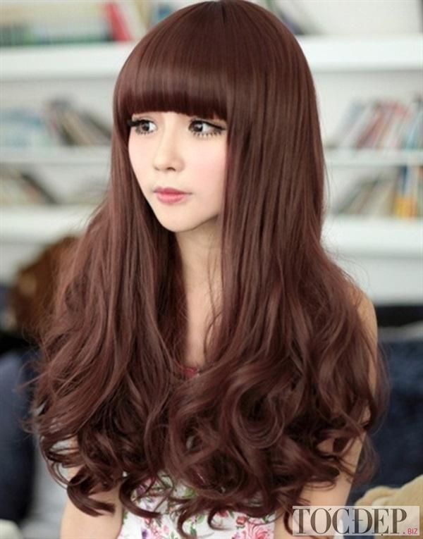 tóc xoăn dài mái bằng