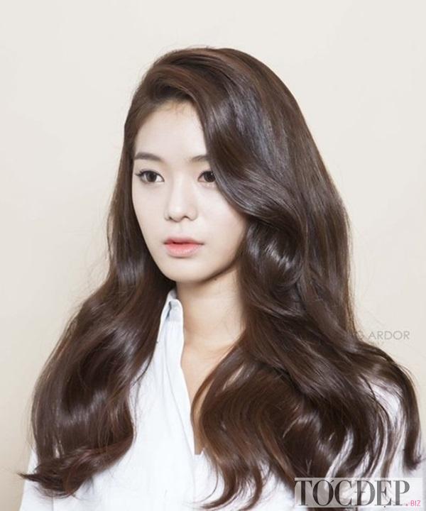tóc xoăn dài sóng nước